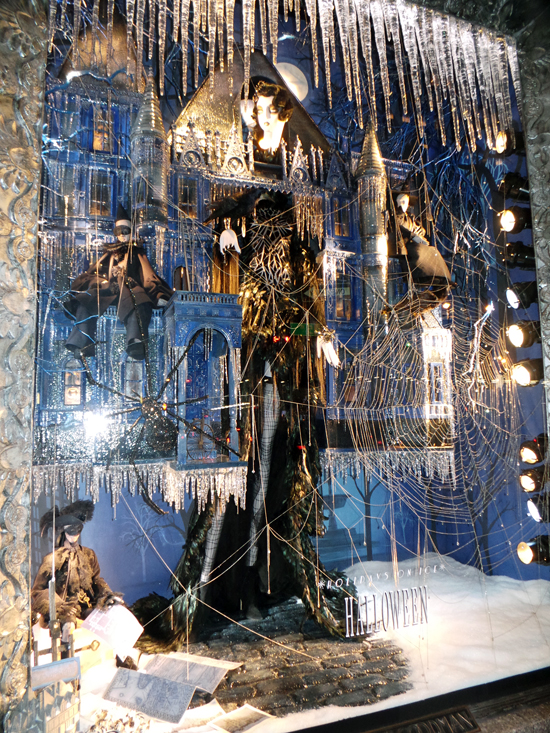 bergdorf-holiday-windows-2013-12